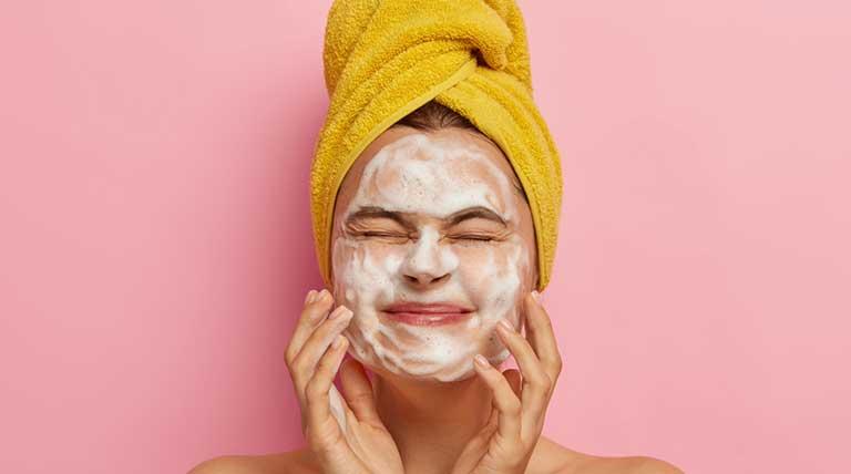 produto skin care de farmácia para pele oleosa