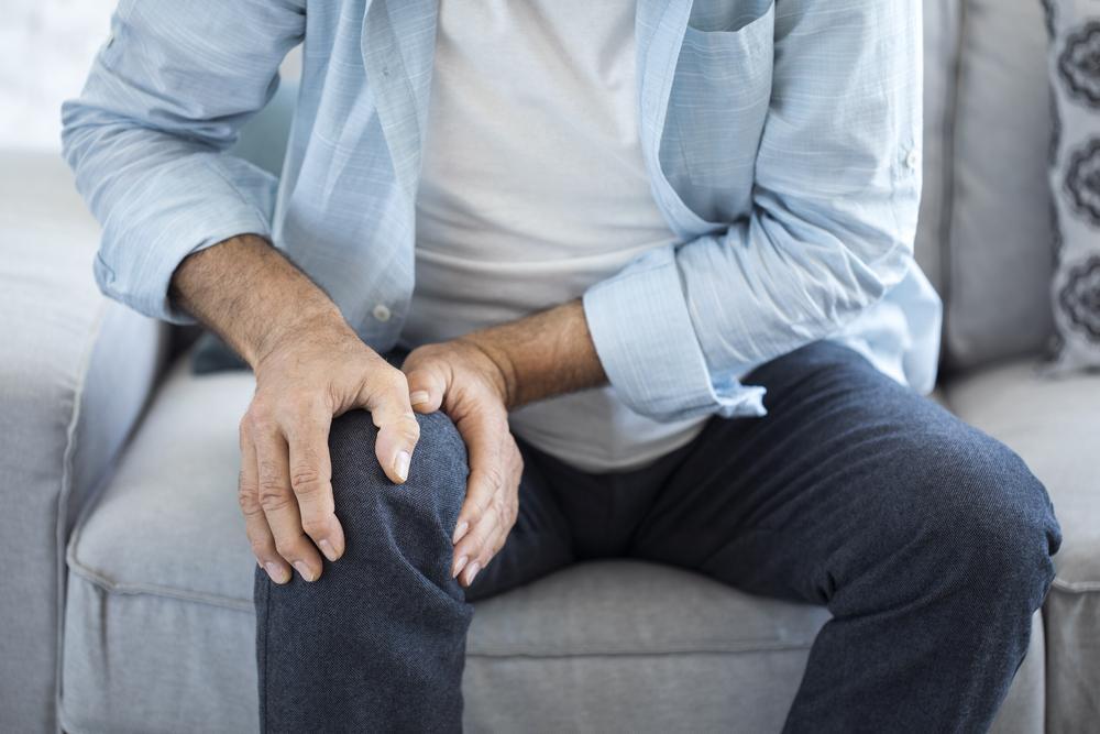 Dor na articulação: o que é, quais as causas e como tratar